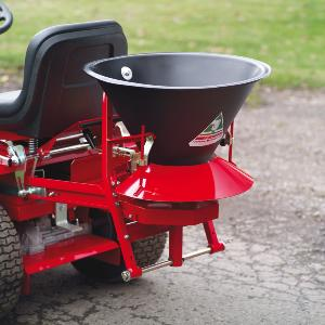 COUNTAX TOWED BROADCAST SPREADER