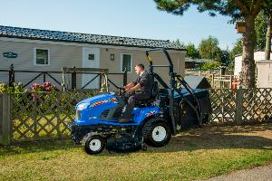 ISEKI SXG326+ COMMERCIAL LAWN TRACTOR