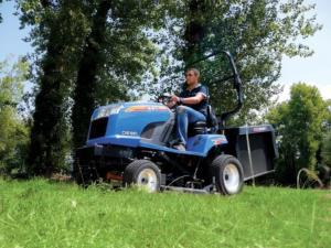 ISEKI SXG323+ COMMERCIAL LAWN TRACTOR